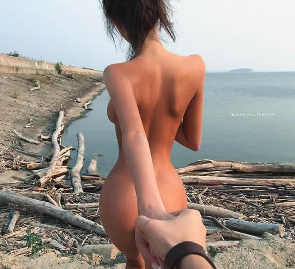 Этот фотограф вывел серию фото «Follow me» на качественно новый уровень