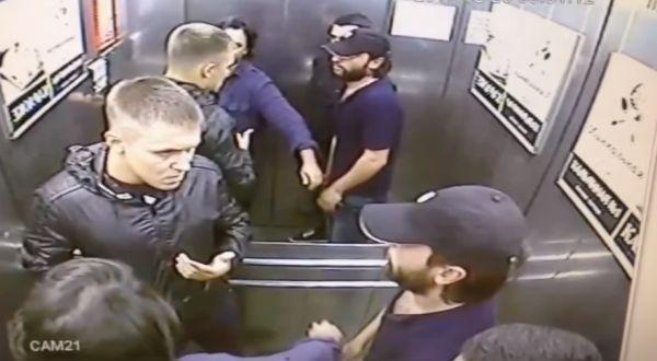 Как правильно драться в лифте