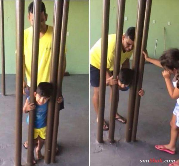 Отец пытался высвободить голову сына всеми способами, кроме самого очевидного