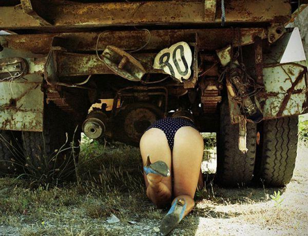 Барышня за рулем - это к приключениям (25 фото)