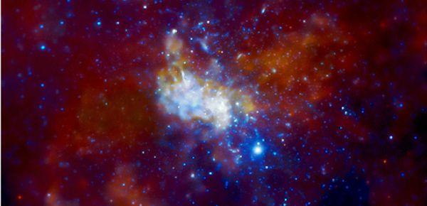 Наблюдения за черной дырой подтвердили теорию Эйнштейна