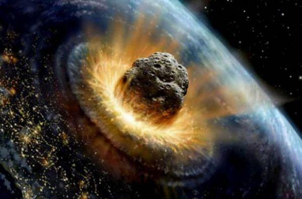 "К Земле летит астероид размером с пирамиду Хеопса: дата ""столкновения"""