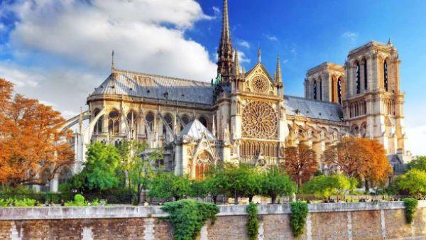 Что связывает Собор Парижской Богоматери и Крым?