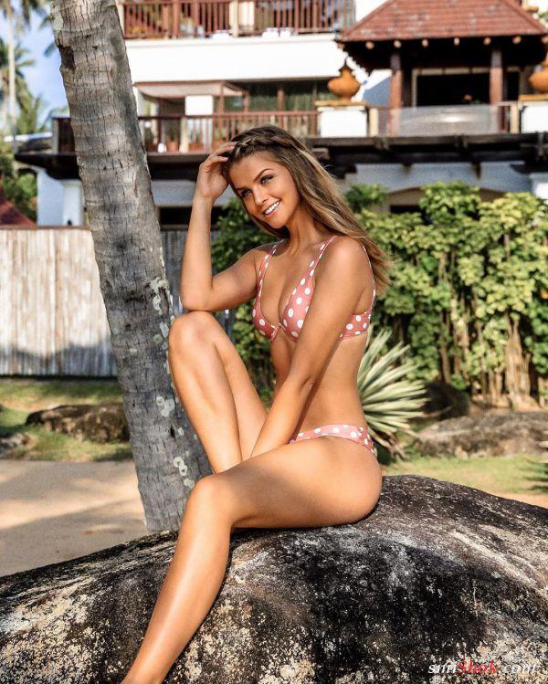 Марина Ласвик 27 летняя девушка (7 фото)